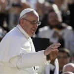 Pope Francis Composes New Prayer for Families, Synod